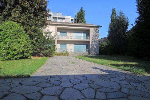 ,Villa con parco Gallarate centro