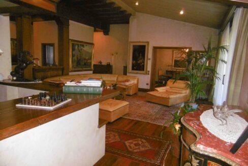 Villa con parco e piscina Solbiate Arno