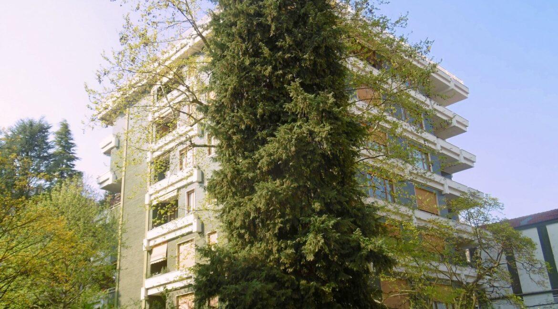 Trilocale con ampio terrazzo e giardino Gallarate centro