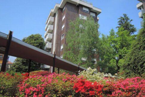 Ampio appartamento in residenza con piscina.