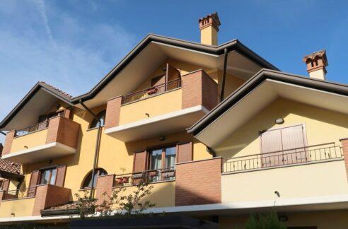 Luminoso bilocale con balconi Gallarate