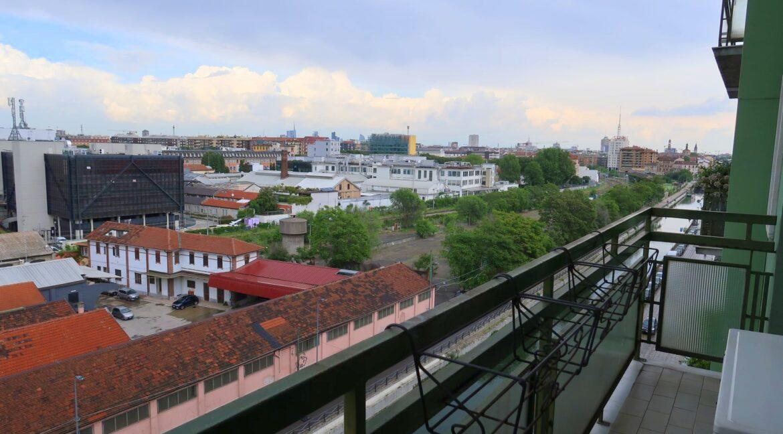 Bilocale con balcone affacciato sul Naviglio